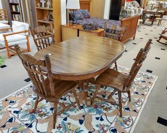 Dining room set and large area rug!