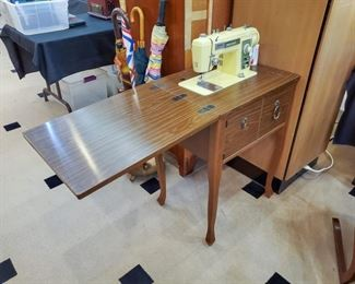 Sewing machine - Brother Galaxie 221 - in cabinet