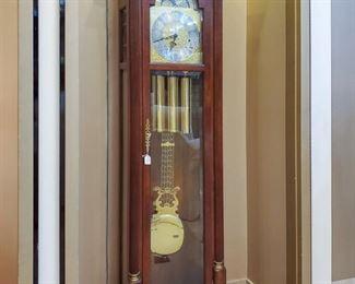 Sligh Grandfather clock looks great & working!