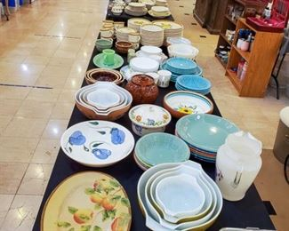 Vintage pyrex! Also some very nice dish sets.