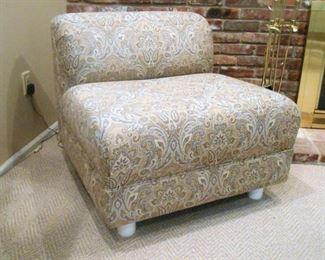 Designer/Decorator Modern Style Chair