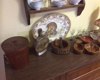 woodware. Ice bucket, turkey platter