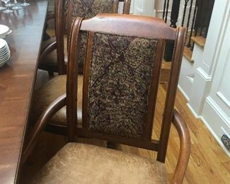 Look at these amazing dining chairs. So stately.