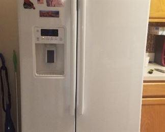 2017 GE side by side refrigerator