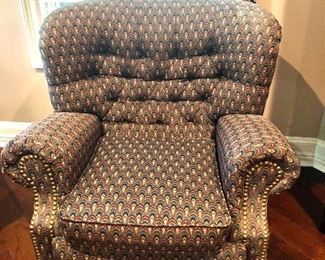 TUFTED EASY CHAIR
