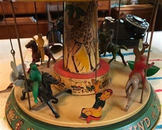 Vintage carousel - the key is missing.