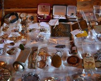 Vintage jewelry and keepsakes