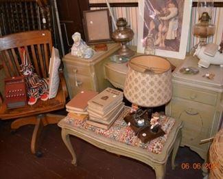Vintage vanity and stool