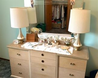 Mid century bedroom set. Lamps, odds and ends