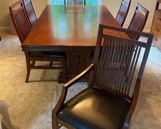 Bernhardt dining table with 6 chairs and 3 leaves. (Chairs could use reupholstering)