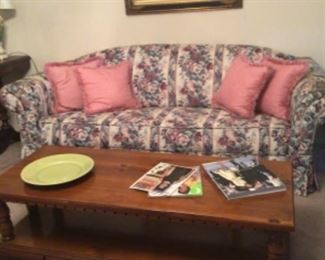 Couch & coffee table