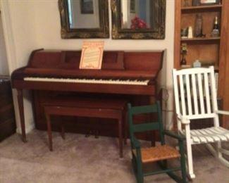 "Grand 1911, ""Metropolitan"" upright piano & bench"