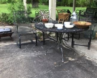 Metal patio table & 4 chairs