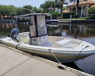 2004 Polaris 19 ft Boat center console.  Yamaha 4 stroke engine