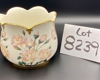"""Lot 3239. $48.00 Vintage Cache Pot from the Smithson Collection, crafted by Goebel.  """"White Roses"""" with gold trim."""