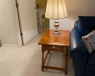 Ethan Allen side table and brass lamp