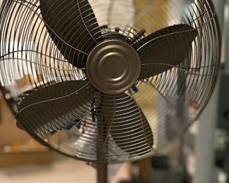 Hawaiian Breeze floor fan