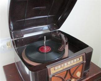 Vintage Admiral Radio / Record Player