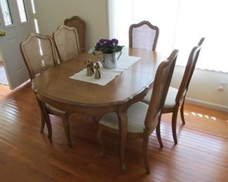 Maple Dinette Table with (6) Chairs