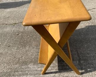 1047 Heywood Wakefield Mid Century Modern Side Table with Cantilevered Shelf