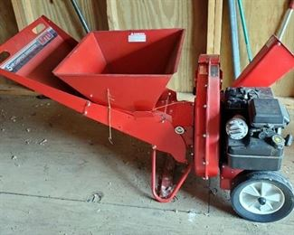 MTD Gas Powered Chipper/Shredder, With 5HP Briggs And Stratton Motor