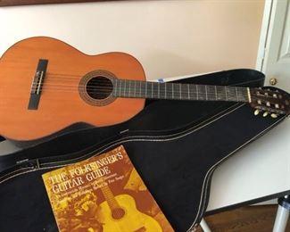 009 Yamaha G100 Acoustic Guitar wCase