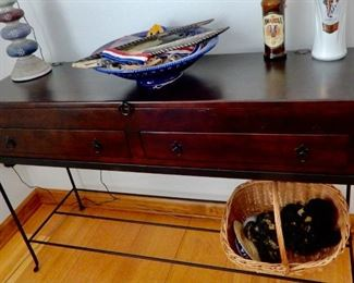 ANOTHER VERY NICE SOFA OR ENTRY TABLE--THIS IS A REAL COOL PIECE..ITS LIKE A TRUNK ON THE METAL BASE.  THE TOP OPENS FOR STORAGE.