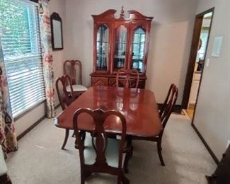 Dual-Pedestal Dining Room Table with 6 Chairs, 1-Leaf and Lighted China Cabinet