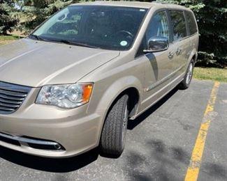 2013 Chrysler Town Country 7 Passenger Van