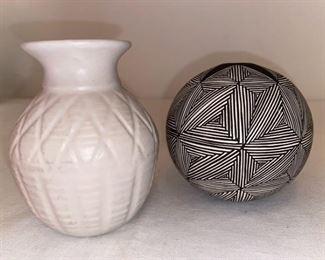 Acoma Pueblo Fine Line Seed Pot