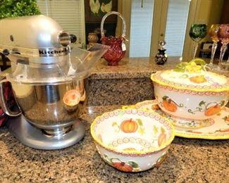Kitchen Aid Mixer, Temp-tations Pumpkin pottery pieces