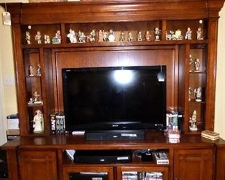 TV Cabinet with Hutch, Sony flat screen, Royce baskets