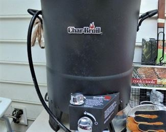 Char-Grill  Oil-Less Turkey Fryer, with Propane Gas Tank & Accessories, Manuals