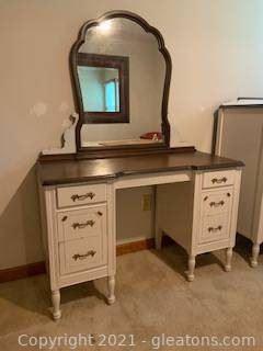 KPL Furniture Co Desk Vanity with Mirror