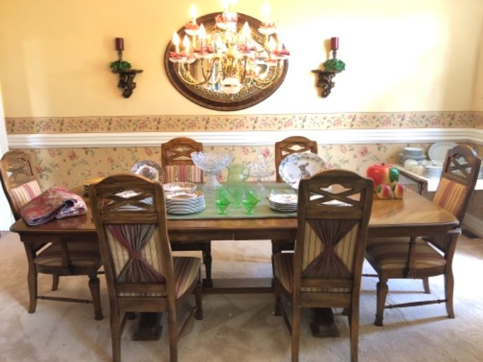 American Drew table with 6 chairs