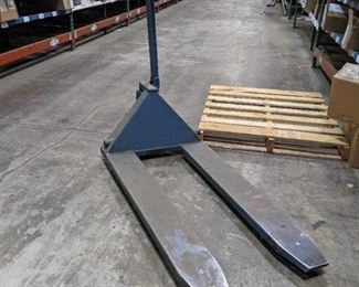 Blue Giant Pallet Jack - RO1-55 - Does not pump up/ Needs repaired