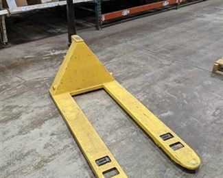 Mobile Pallet Truck - MLX55 - Does not pump up/ wheels are damaged