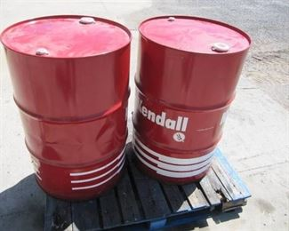 Lot of 1 55 Gal Drum of  Kendall OIL- The Drum Was Marked as 15W 40-  WE ARE NIOT 100% POSITIVE
