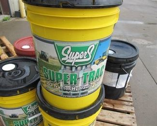 New 5  Gallons  of SUPERS SUPER TRAC 303 HYDRAULIC Oil (NEW)