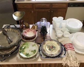 Plates miscellaneous vintage
