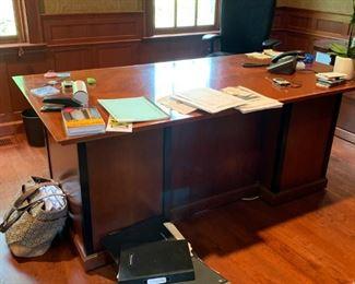 executive desk $900