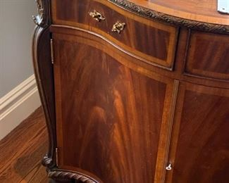 Cherry bombay w/inlay keyed End Table $300