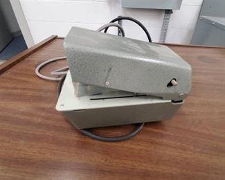 Tabletop numbering machine