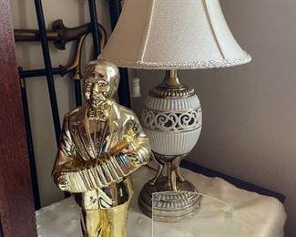 Lenox Lamp & Accordion player