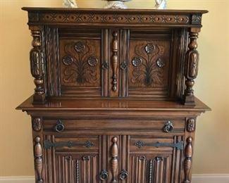 Antique Rockford Furniture Carved Walnut Jacobean Tudor Liquor China Cabinet, c1930