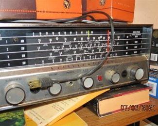 NICE WORKING HALLICRAFTERS 4 BAND RADIO
