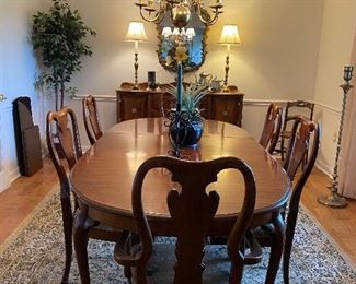 Queen Anne Style dining set with 6 chairs, table with 2 leaves & pads
