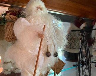Santa figures & other Christmas decor
