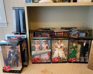 Huge collection of collectable & holiday Barbies