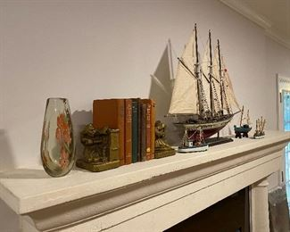 Vintage books, model ships & accessories